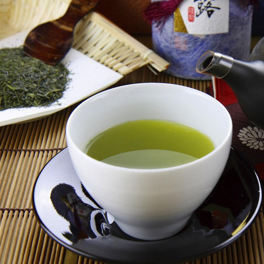 老舗の高級深蒸し煎茶「百年の極 芳翠」