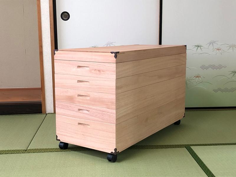 EB100_【開梱設置】柿渋染め総桐衣裳箱 キャスター付5段 PKR-5C