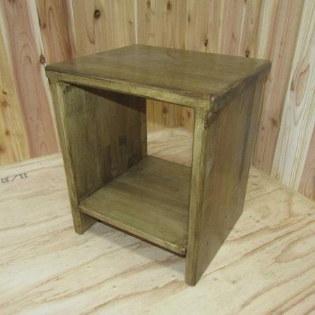 030D037 手作り木製 スツール