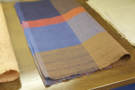 10-69 さをり織りテーブルマット 2枚