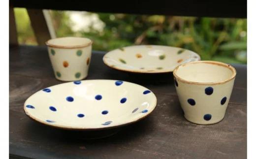 常秀工房 6寸皿2枚(呉須点・三彩)とそばちょこ2点(呉須点・三彩)セット