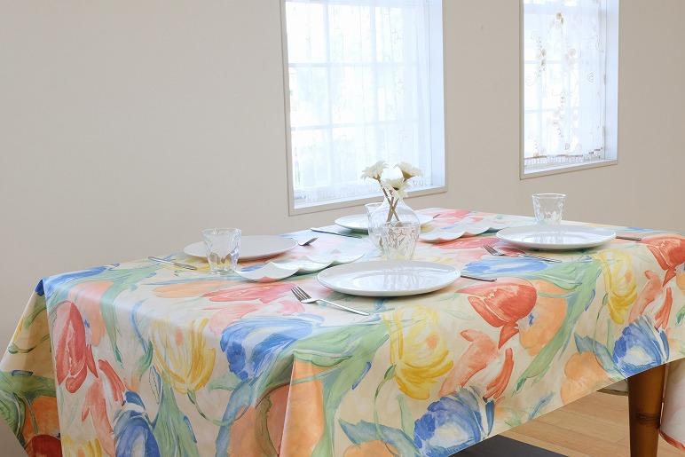 099H352 拭き取れるテーブルクロス(花柄) 130×200cm