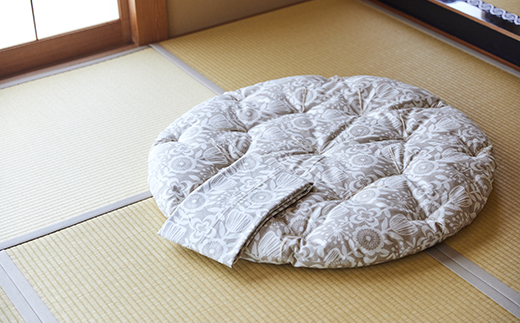 体に優しい天然繊維 手作り まる座布団 (同色柄のカバー付き)