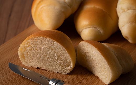【05005】100%道産小麦でつくられたバターロール32個